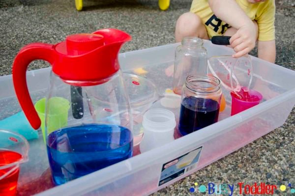 WHY IS SENSORY PLAY IMPORTANT: Why do kids need sensory bins? Here are six reasons why kids need to play with sensory bins and what they learn from sensory activities. Why are sensory bins good? by Busy Toddler