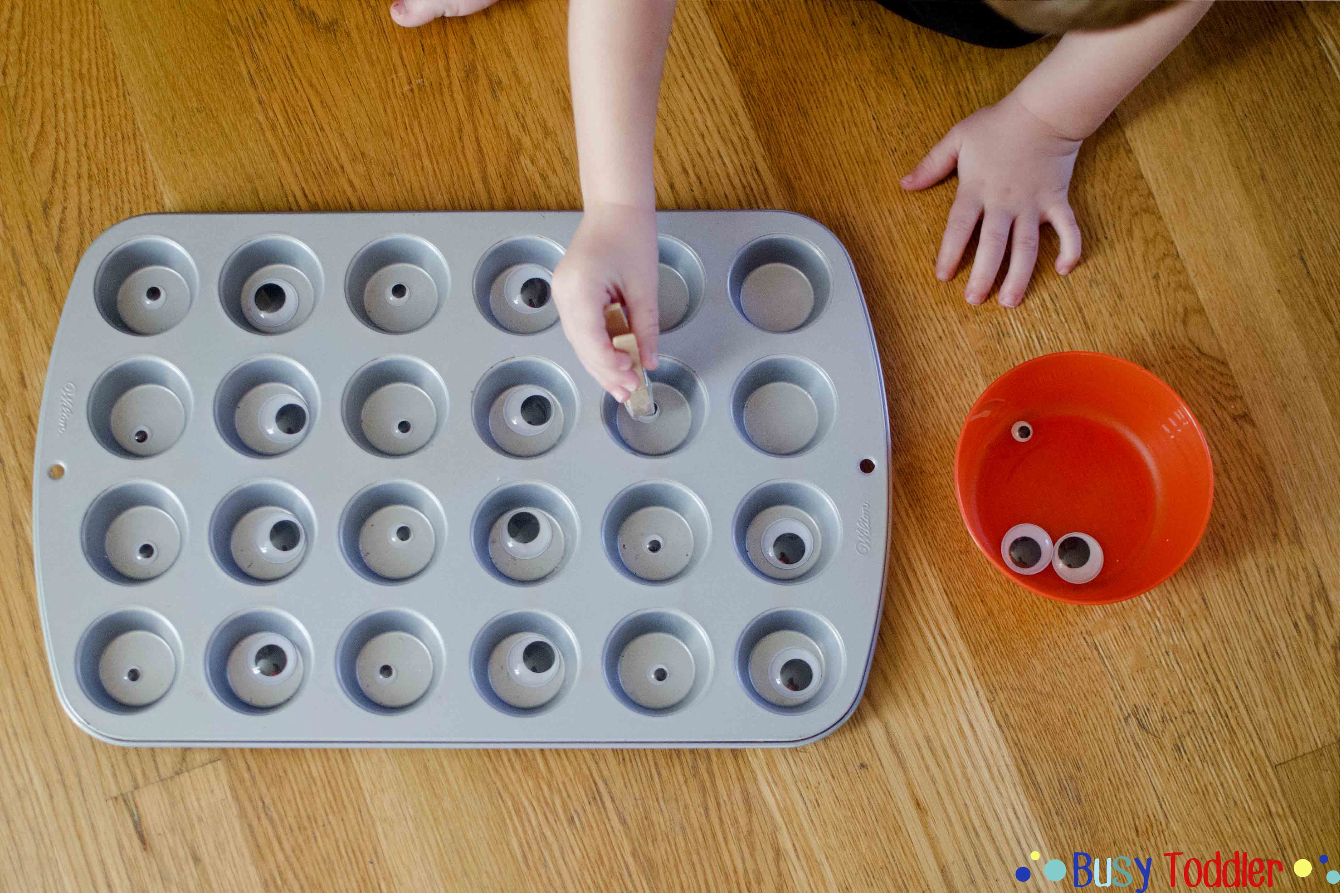 Googly Eye Grab: a wiggly fine motor skills activity