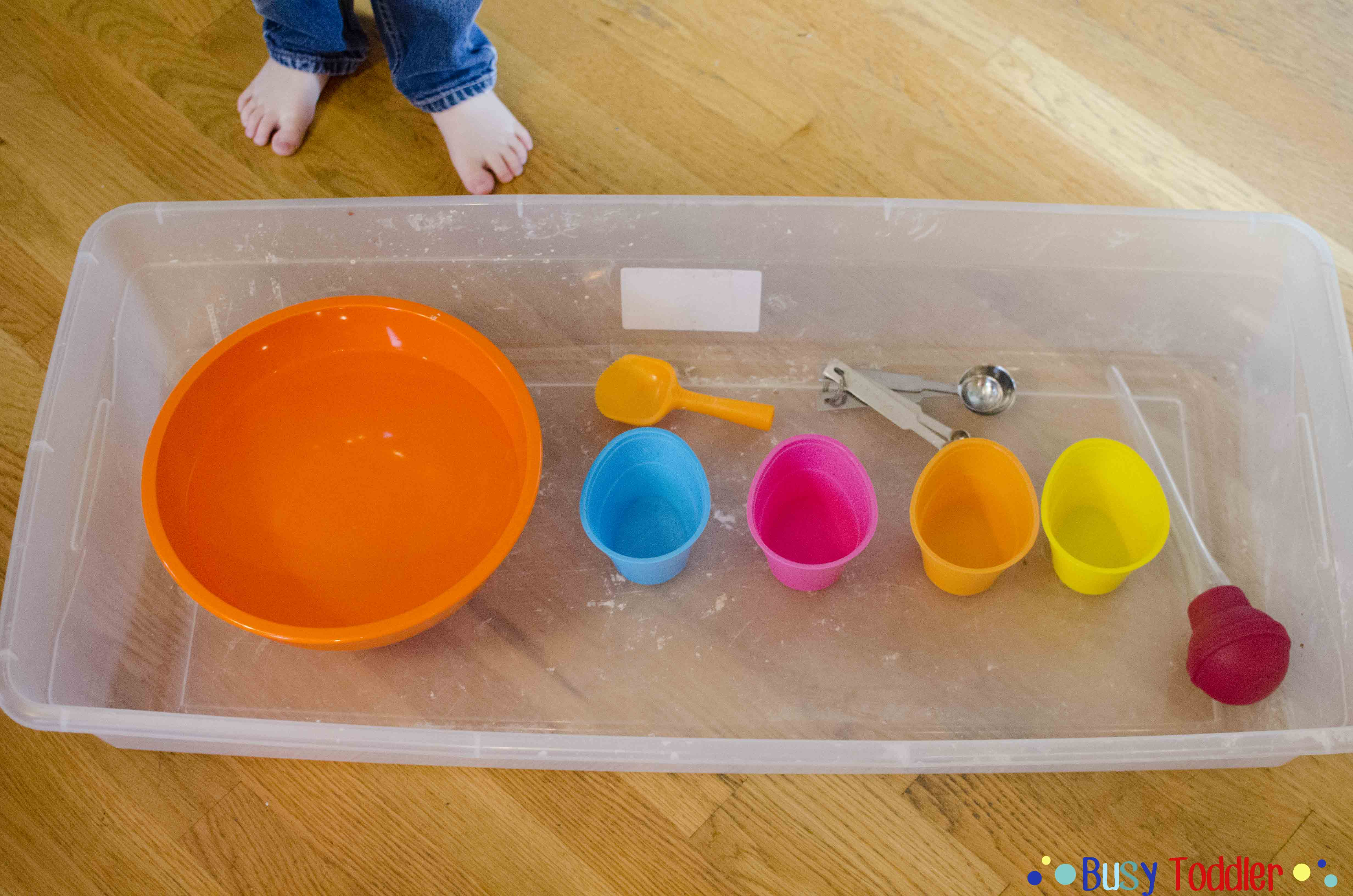 Water Transfer: a quick to set up toddler activity
