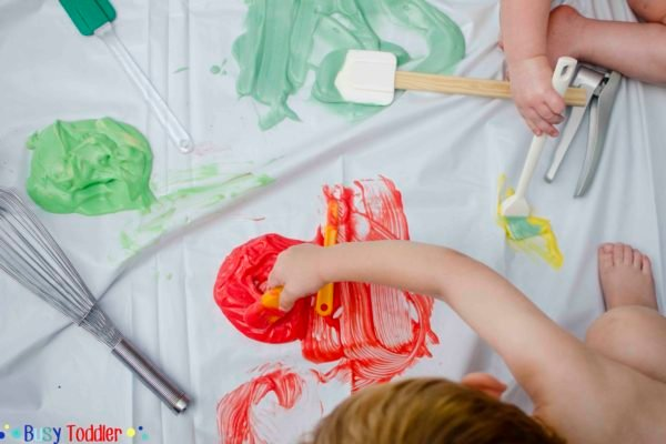MESSY SENSORY PLAY: Do messy activities make your skin crawl? Check out these tips to help make messy play not so messy.