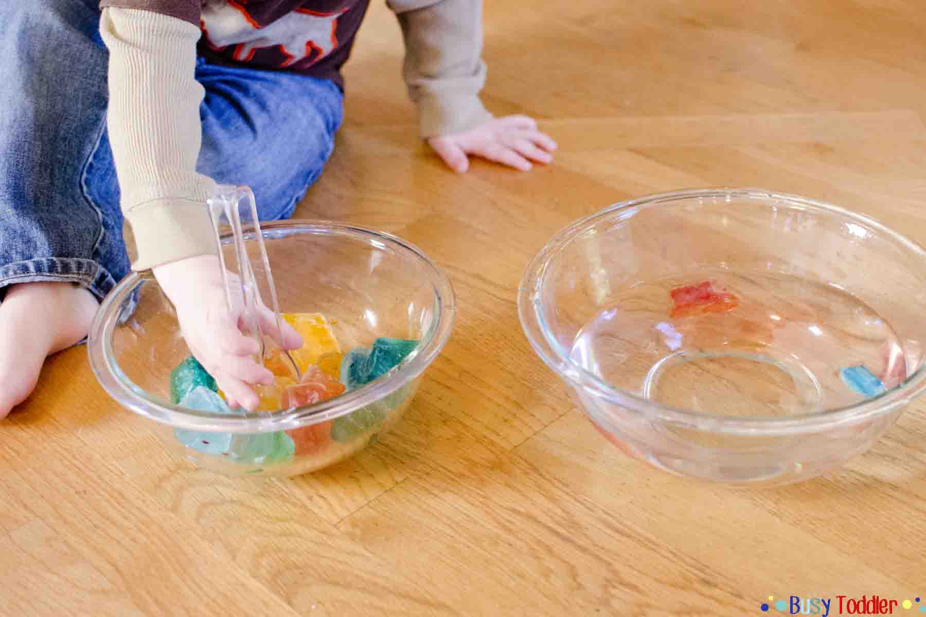 COLORED ICE TRANSFER: simple science for little learners