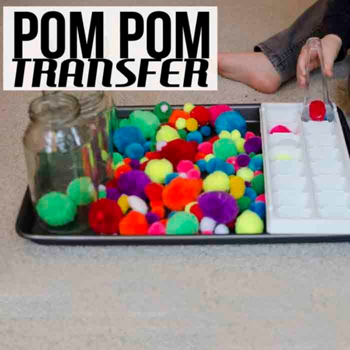 POM POM TRANSFER: An easy fine motor skills activity for toddlers; easy toddler activity; rainy day activity