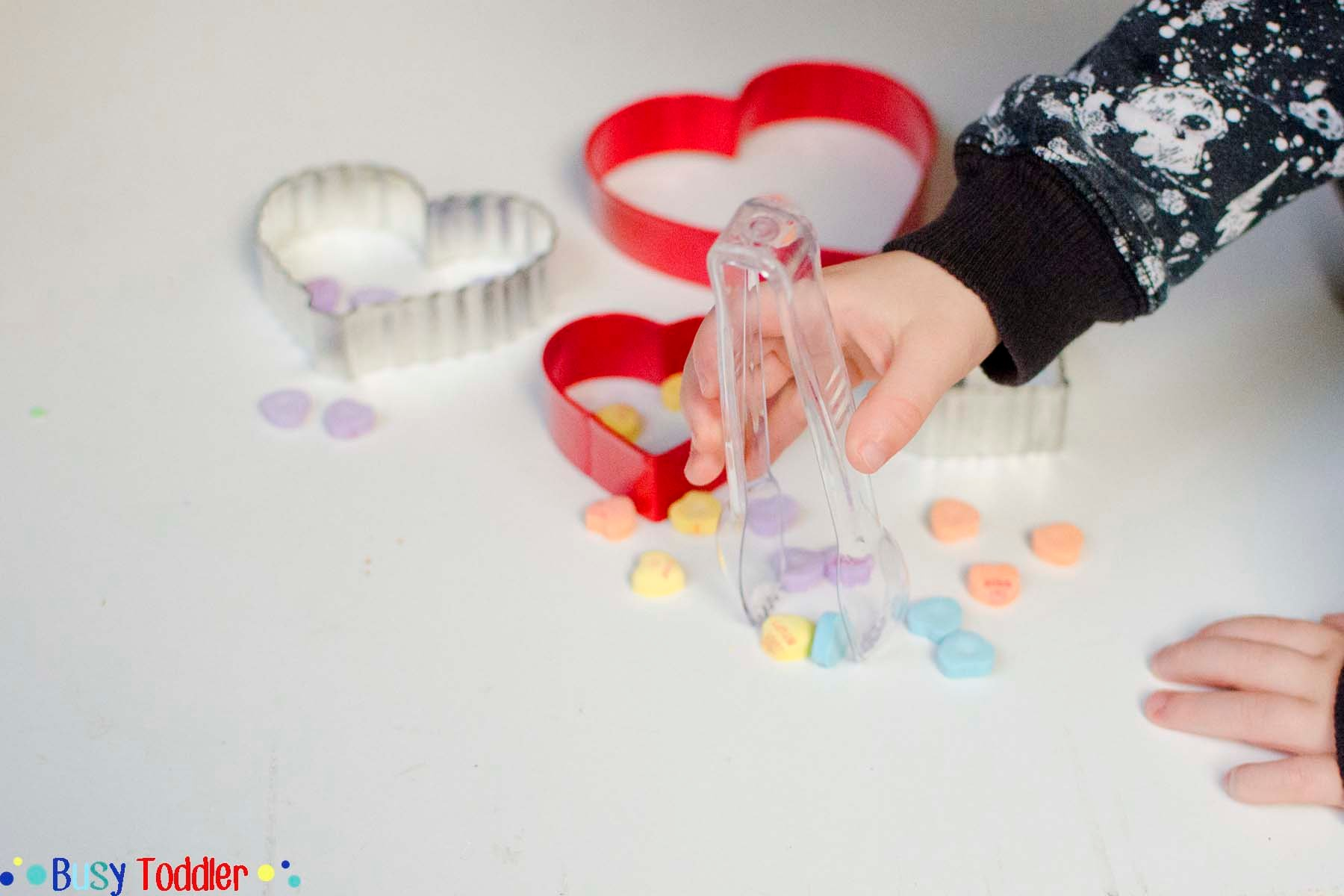 VALENTINE'S DAY SORTING ACTIVITY: A simple sorting game for toddlers using Conversation Hearts