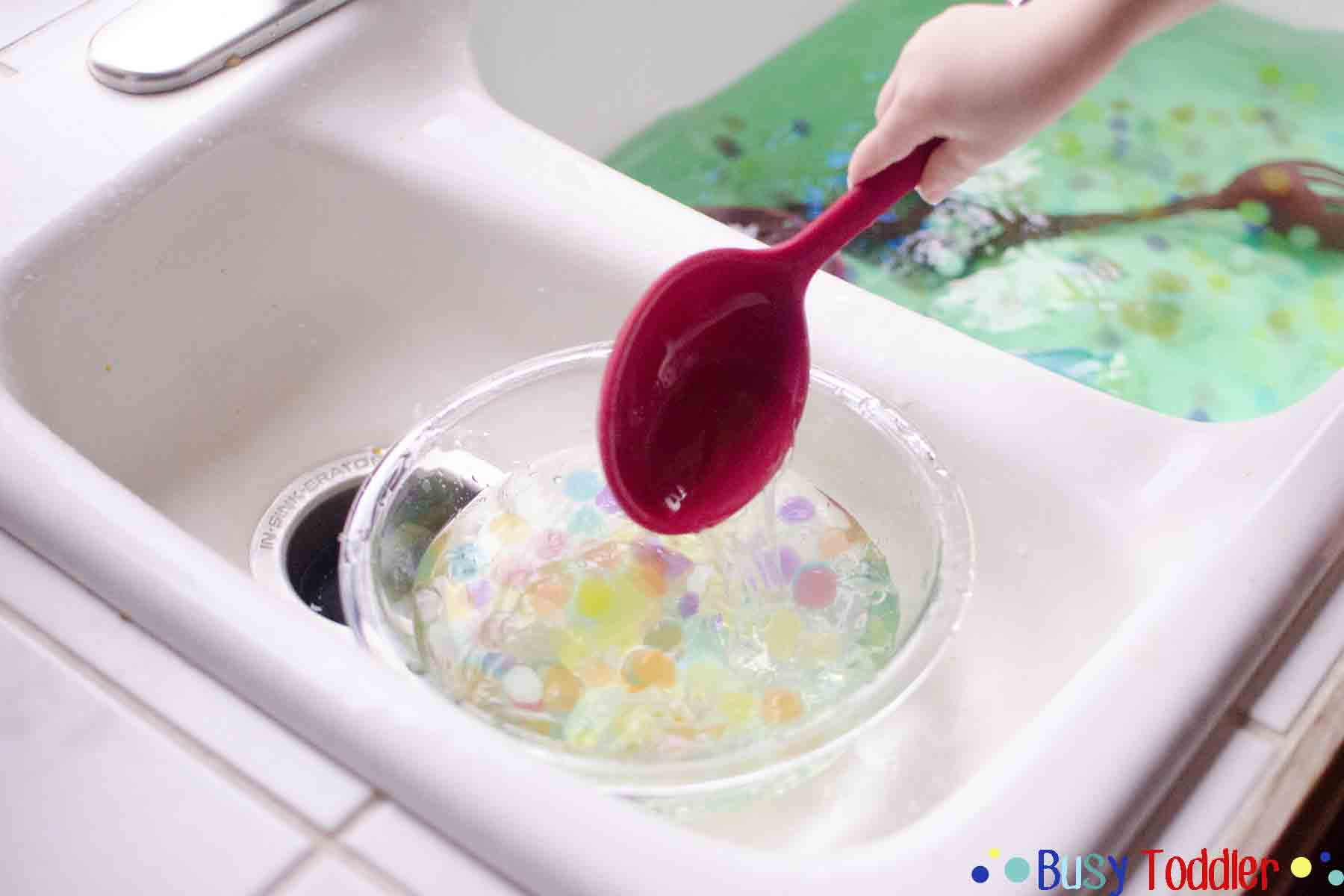 WATER BEADS SCOOP AND TRANSFER: A fun toddler activity using water beads