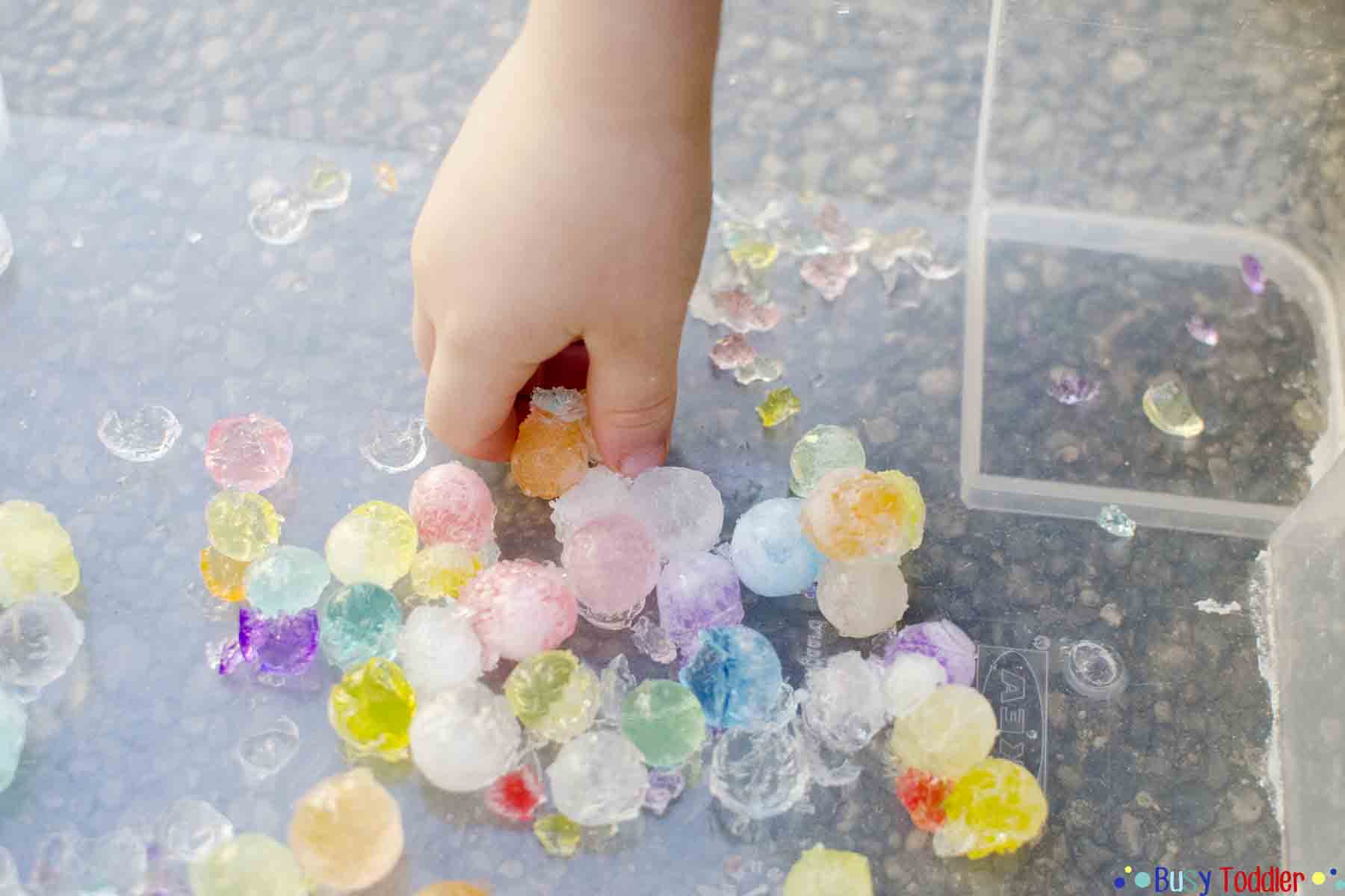 Water Bead Activities: Quick and easy water bead activities for kids - they'll love these fun ideas from Busy Toddler