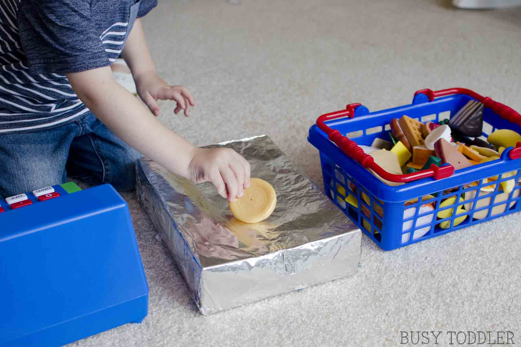 GROCERY STORE DRAMATIC PLAY: Set up a fun imaginative play center for toddlers and preschoolers; perfect indoor activity