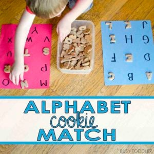 ALPHABET COOKIE MATCH: Create a fun and yummy literacy activity for toddlers and preschoolers; easy ABC activity; easy alphabet learning