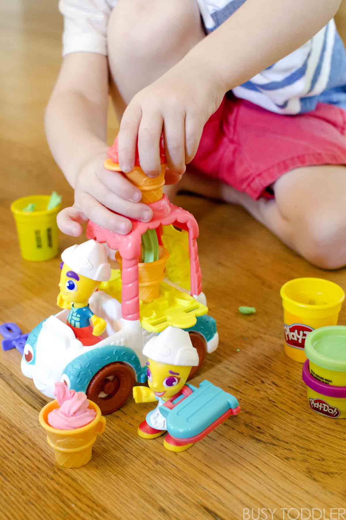 PLAY-DOH TOWN: Get creative and make memories with Play-Doh playsets