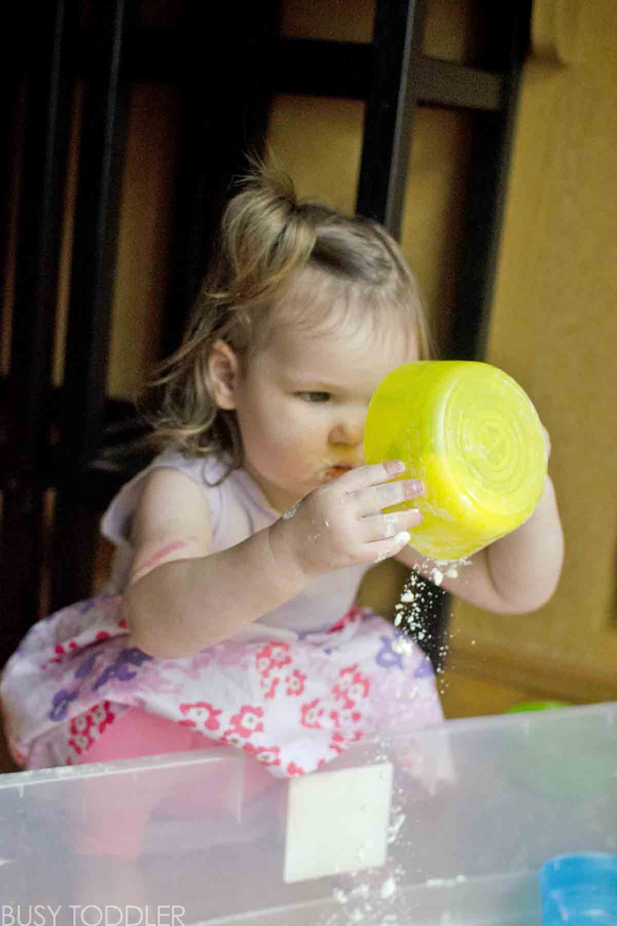 FLOUR BIN: The easiest toddler activity! Need something quick and easy for your toddler? Try this fast to prep indoor activity.