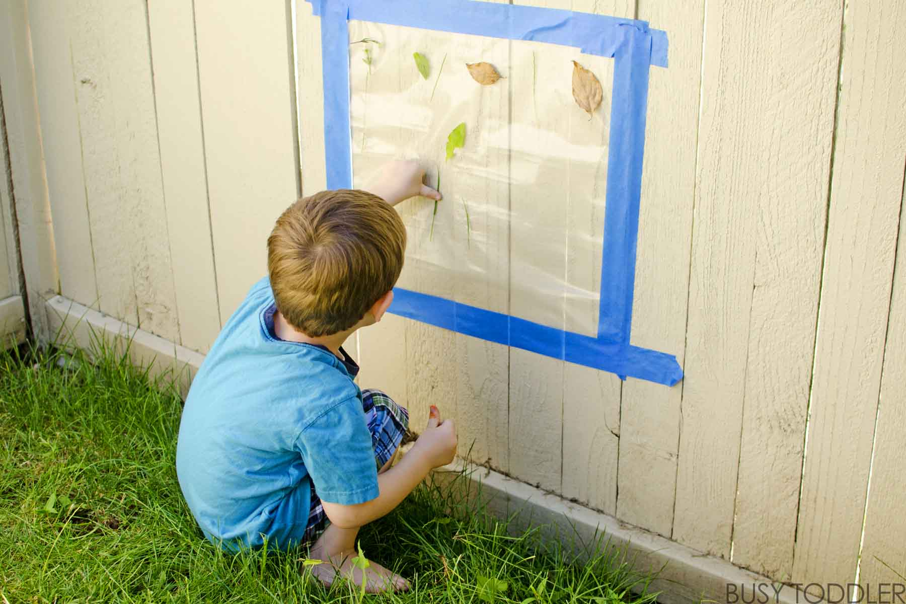 Outdside Sticky Wall: Create a fun outdoor activity for toddlers and preschoolers; a fun nature craft; easy outdoor activity