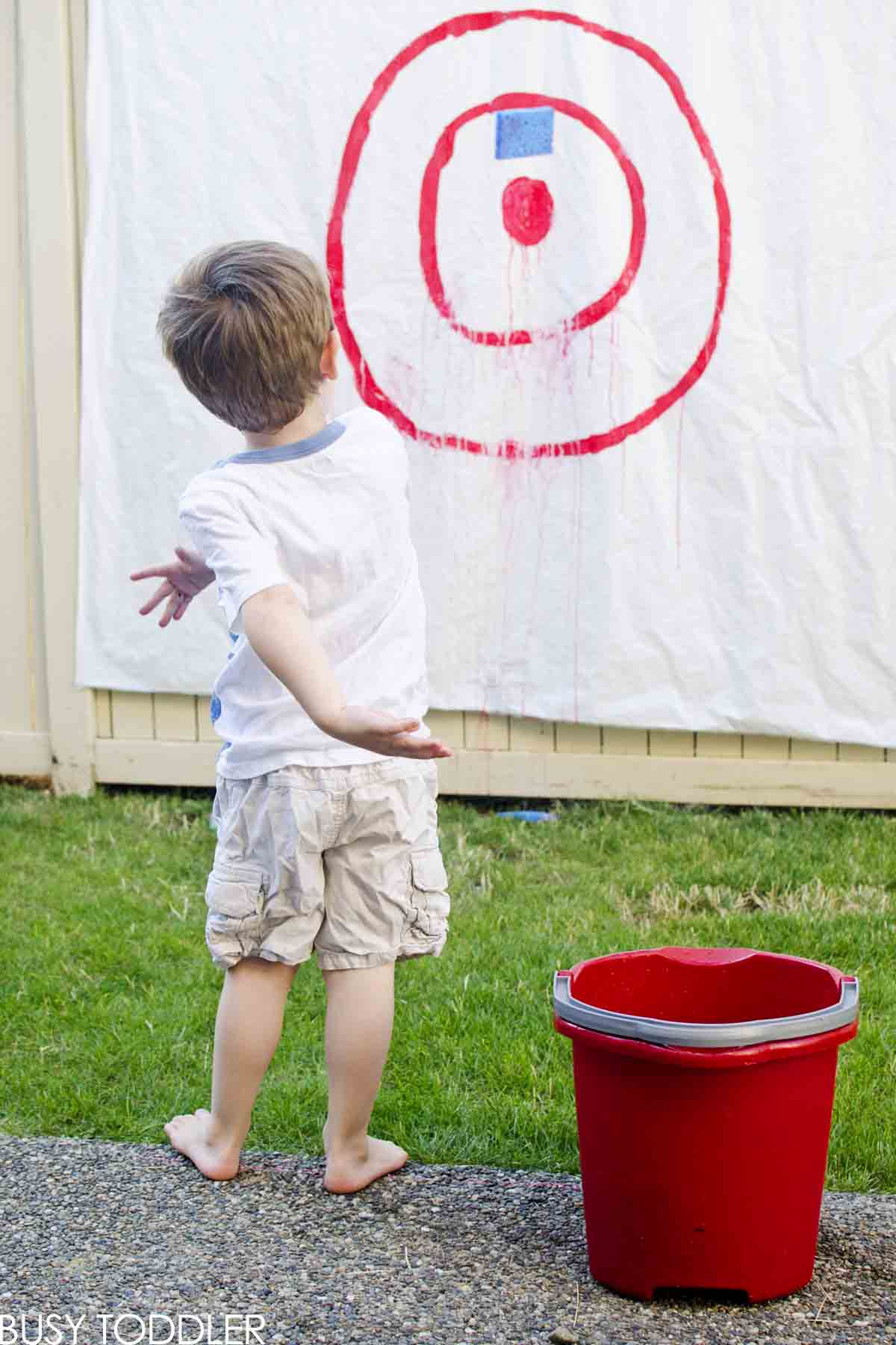 SPONGE TARGETS: Simple entertainment that your kids will love; a perfect gross motor skills activity; summer fun outside; play sponge targets at a bbq