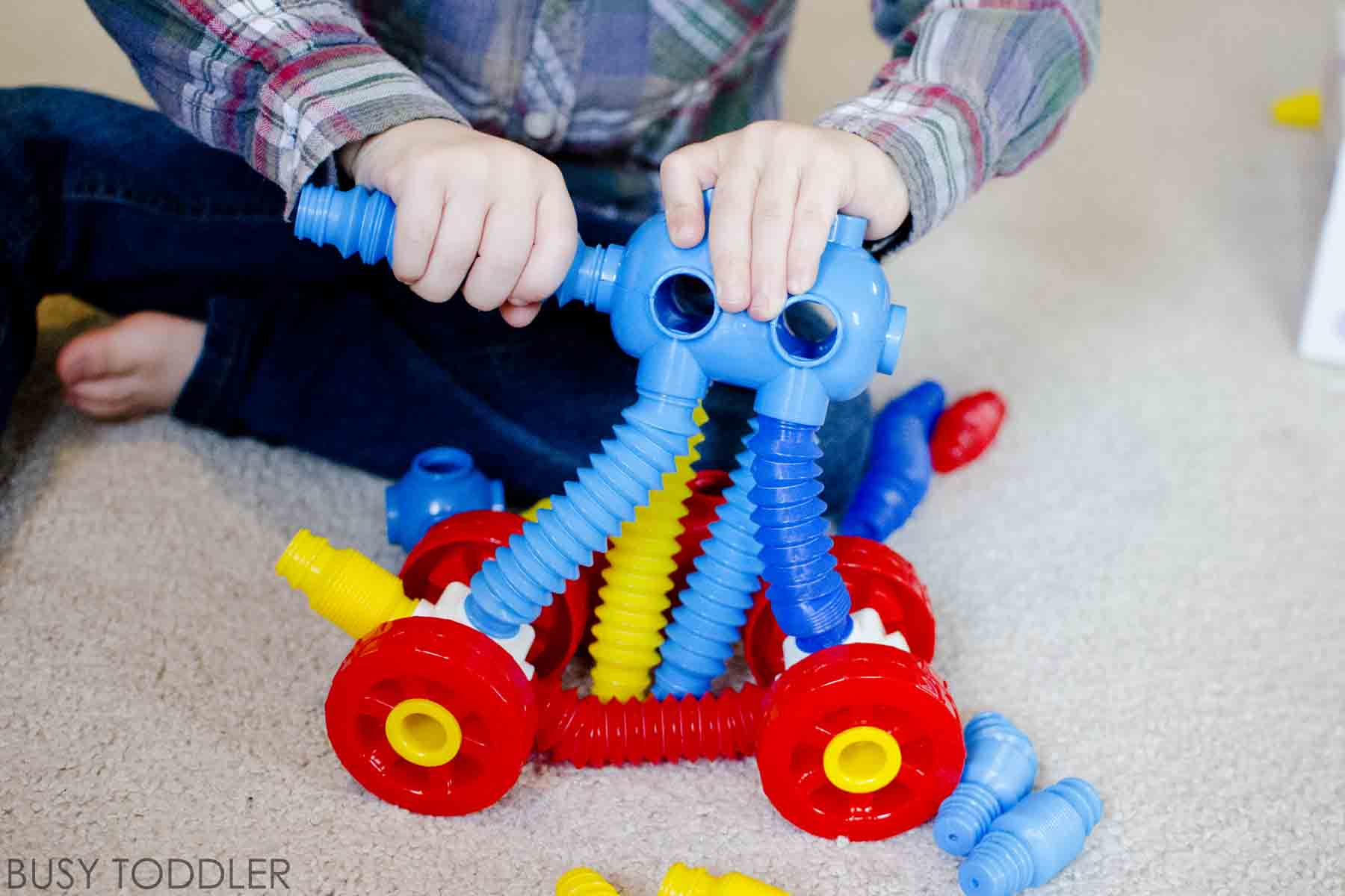 5 UNIQUE WAYS TO BUILD: Thanking beyond blocks with these 5 great building ideas for toddlers and preschoolers. Kids will love these simple indoor activities and toys from Lakeshore Learning. #ad