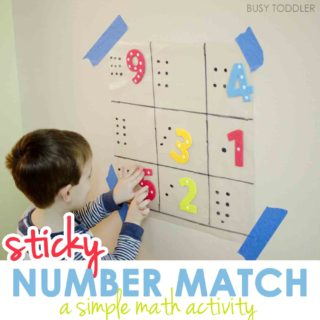 STICKY NUMBER MATCH ACTIVITY: Check out this simple math activity that's perfect for toddlers and preschoolers. Little ones will love matching numbers in this fun and easy indoor activity