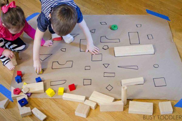 játék építőkockával ovisoknak