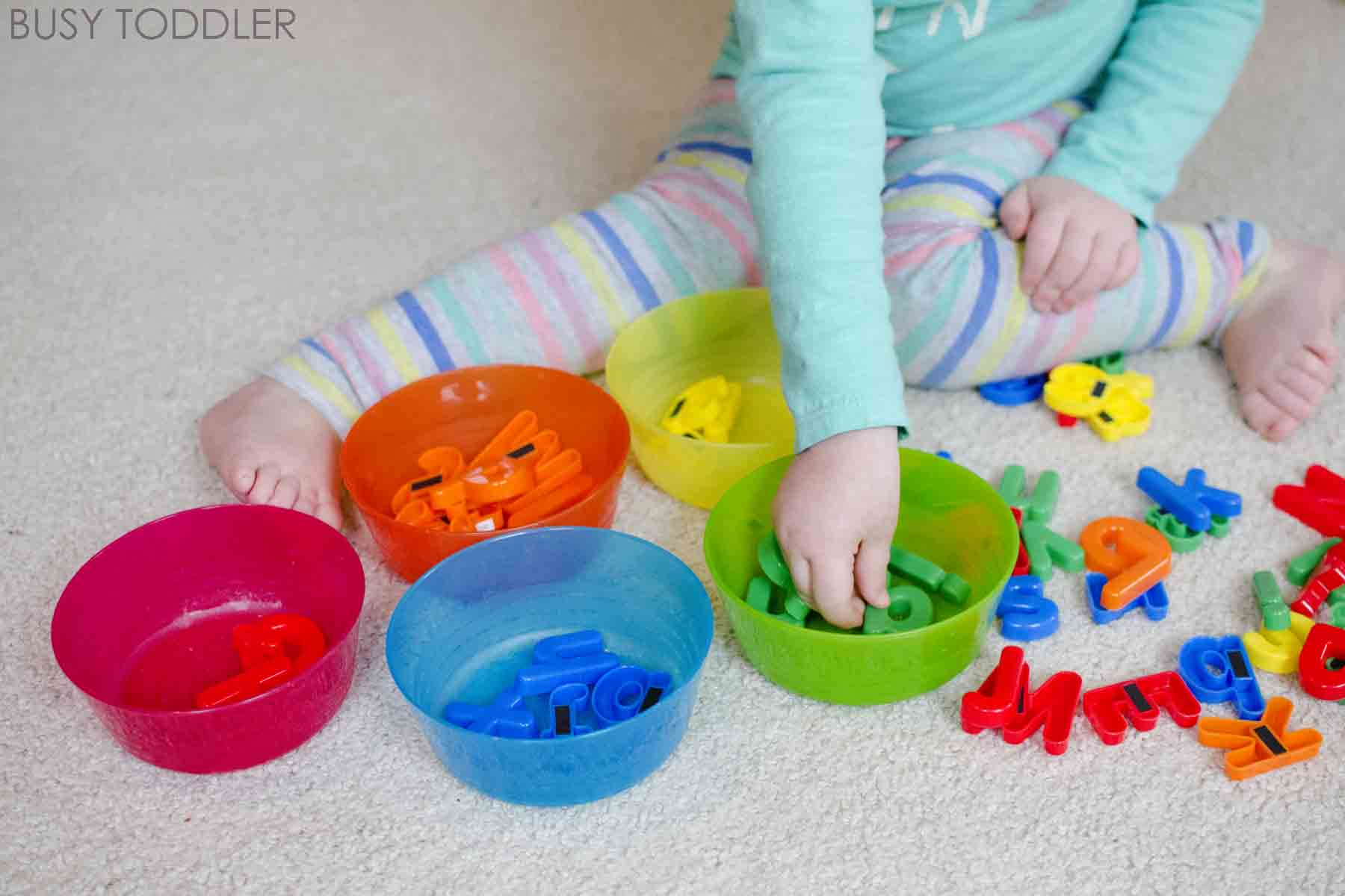 SORTING ACTIVITIES: Easy indoor activities for toddlers