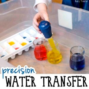 WATER TRANSFER: Check out this awesome indoor activity! It's so quick and easy to set up and kids love it. What a great toddler activity working on fine motor skills and color mixing.