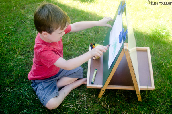 OUTDOOR ART IDEAS FOR KIDS: Check out these 6 awesome art ideas for kids! Kids will love these fun ways to create art and be outside. Quick and easy art activities sponsored by Lakeshore Learning (ad)