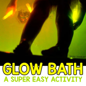 GLOW BATH: An awesome glow stick bath is the perfect toddler activity! Make bath time fun again with this quick and easy toddler activity from Busy Toddler