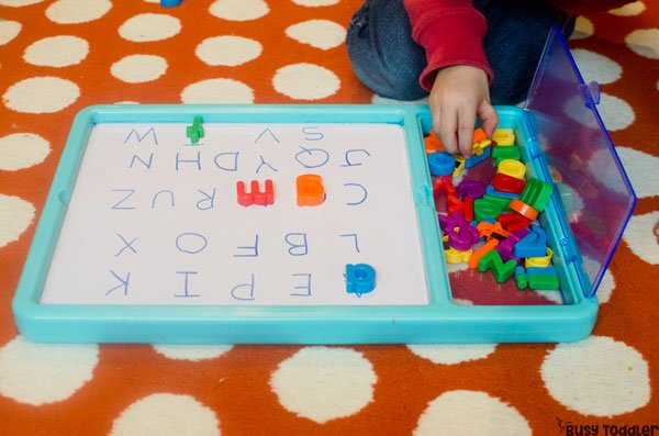 FUN ALPHABET ACTIVITIES: Check out these easy alphabet activities for preschoolers; preschool abcs; learning the abcs; teaching preschoolers the alphabet; play-based alphabet learning; alphabet; easy indoor activities from Busy Toddler (sponsored by Lakeshore)