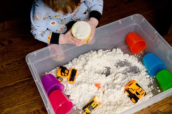 TABY CLOUD DOUGH: A quick and easy taby activity; toddler activity; baby activity; rainy day activity; indoor activity; sensory bin activity from Busy Toddler
