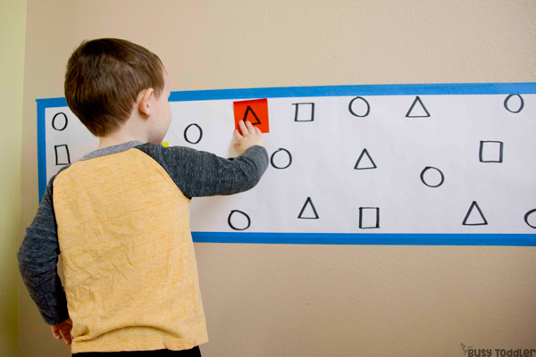 SHAPE MATCHING ACTIVITY: A quick and easy toddler math activity; indoor math activity; post-it notes activity; rainy day activity; simple toddler activity from Busy Toddler
