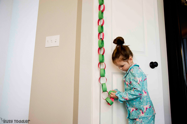 Paper chain countdown to celebrate the Christmas season with random acts of kindness