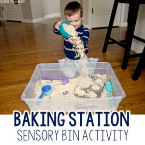 OATMEAL BAKING STATION: A quick and easy toddler activity using oatmeal; a taste-safe sensory activity; easy indoor activity for toddlers and preschools from Busy Toddler