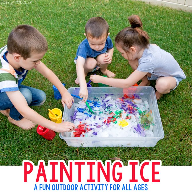 ICE PAINTING SUMMER ACTIVITY: A fun and easy outdoor activity for kids this summer. Try letting kids paint ice cubes for a quick and easy backyard activity for toddlers and preschoolers from Busy Toddler