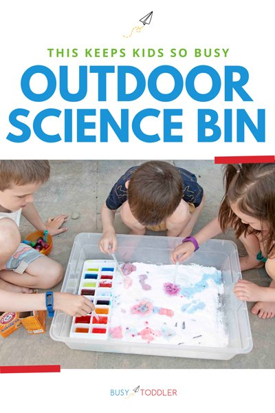 OUTDOOR SCIENCE BIN:  A giant science activity for toddlers, preschoolers, and big kids. This awesome summer activity is perfect for outside. Help the kids have fun this summer with a great STEM activity from Busy Toddler